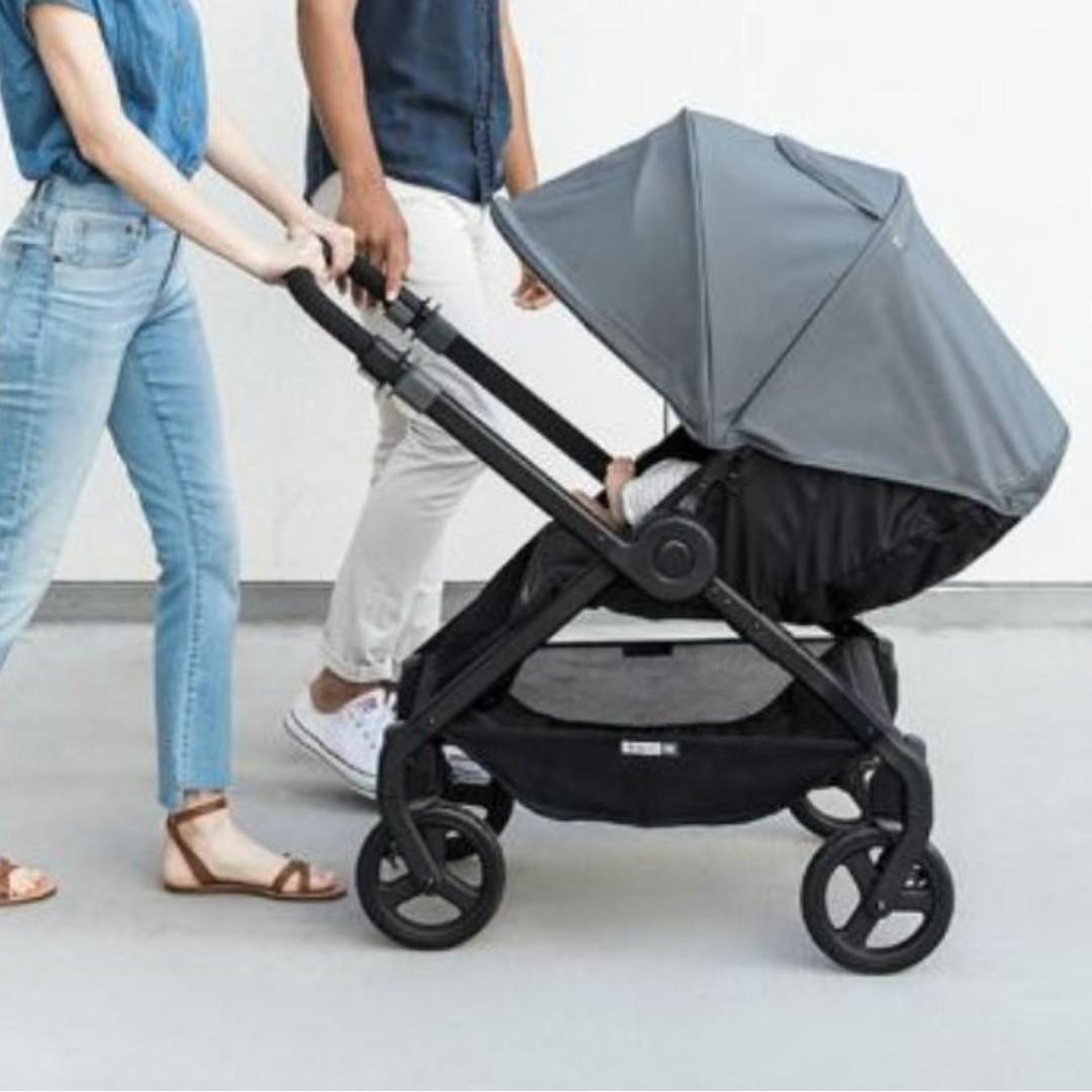 CHARACTERISTICS TO SEEK WHEN BUYING FOLDING BABY STROLLERS